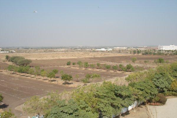 Вид из окна отеля Grand Bhagwati Seasons, Раджкот