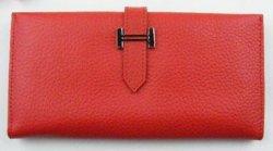 Красный кошелек